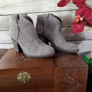 VINCE CAMUTO Gray Suede Slip On Booties